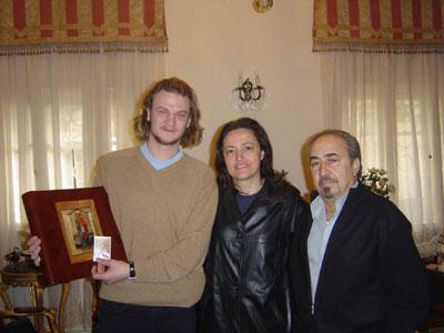 07.02.2005. Встреча Антона Бугаева и Книги Мира с миротворцами из Сирии Мирной и Николой Назур